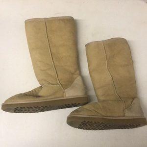 UGG AUSTRALIA Chestnut Sheepskin Winter Boots